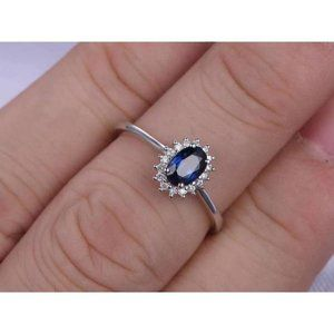 2 Ct oval cut CEYLON SAPPHIRE and diamond engageme